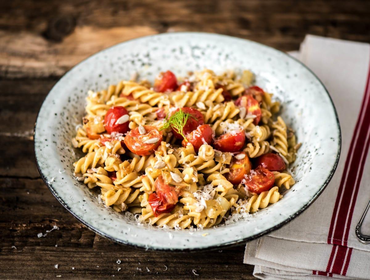 Pasta pesto met venkel, cherrytomaten en grana padano
