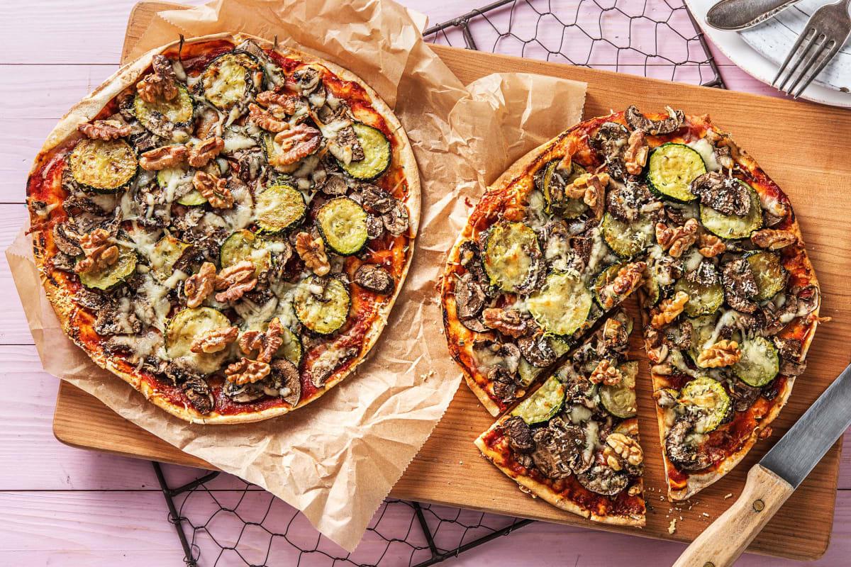 Pizza sur pain plat aux courgettes grillées