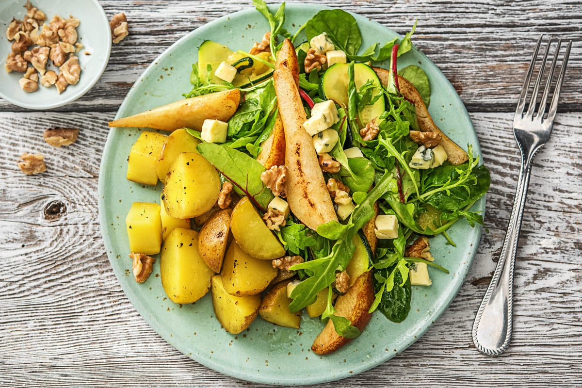 Salade de poire, danablu et noix