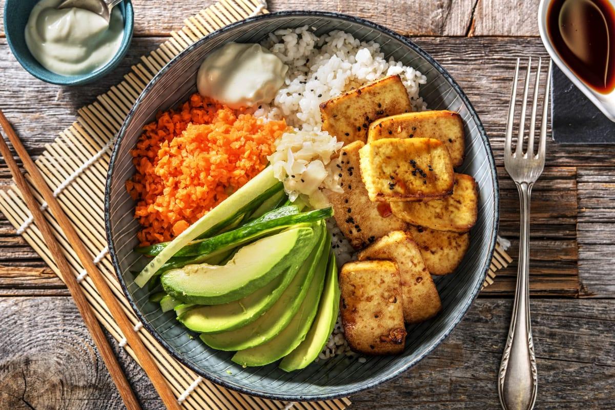 Sushi Bowl mit glasiertem Tofu