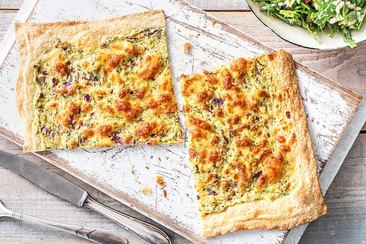 Knuspriger Flammkuchen mit Mozzarella