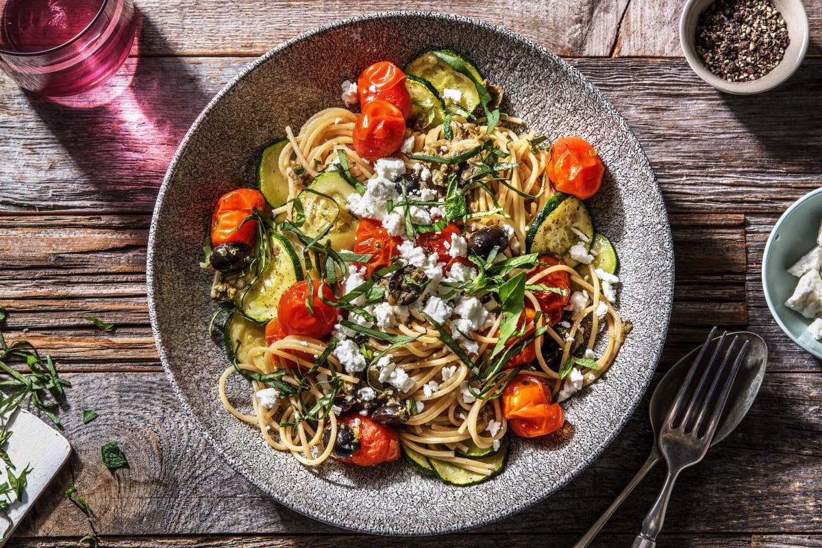 Spaghetti à la méditerranéenne aux légumes rôtis