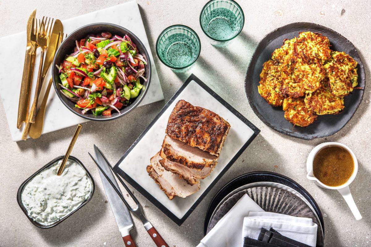 Souvlaki-Braten mit griechischem Salat