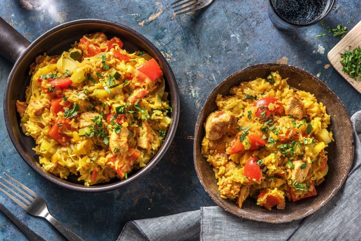 Plat de riz au poulet et légumes