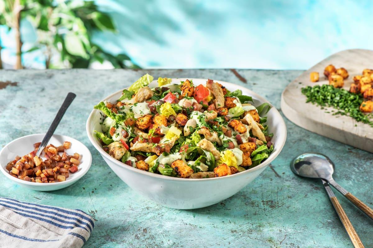 Einfacher Caesar Salad mit Hähnchen und Bacon