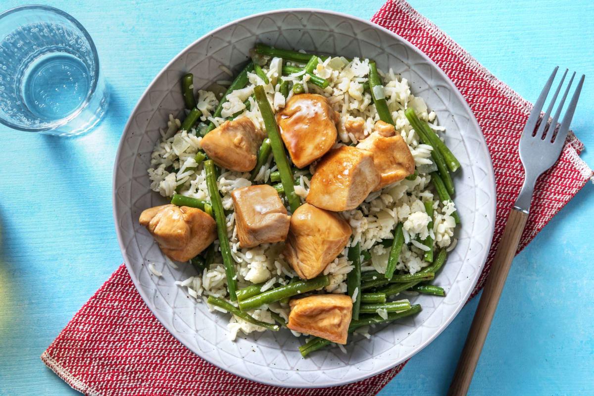 Poulet à l'asiatique aux haricots verts et au riz de chou-fleur