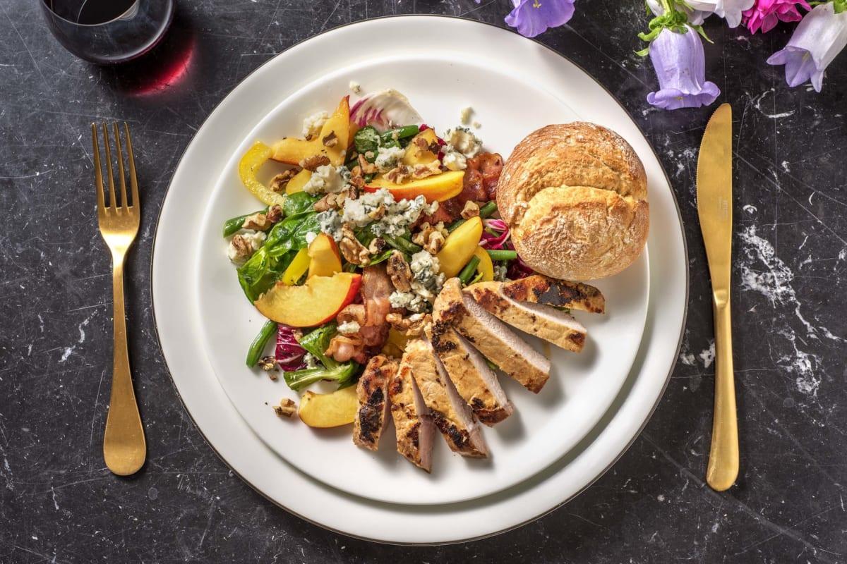 Salade met nectarine, varkensfilet en sperziebonen