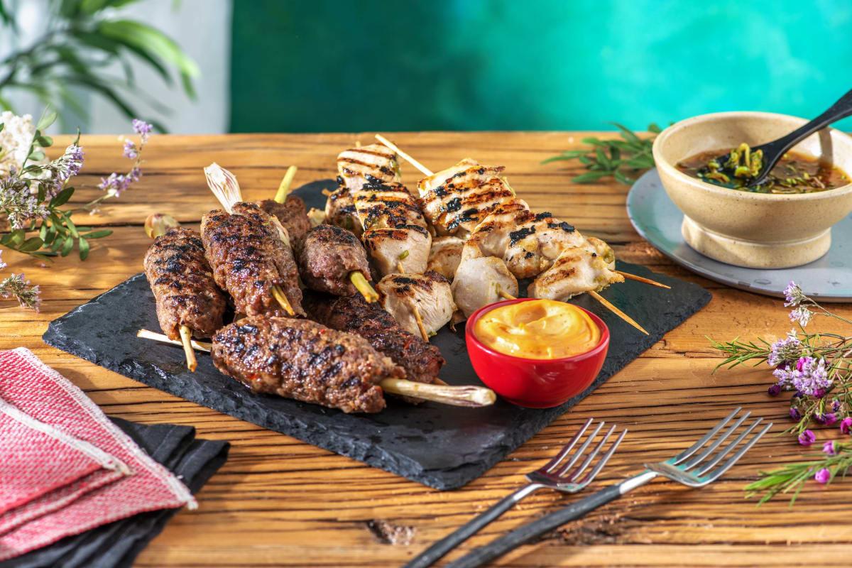 Asiatische Hackfleisch- und Hähnchenspieße
