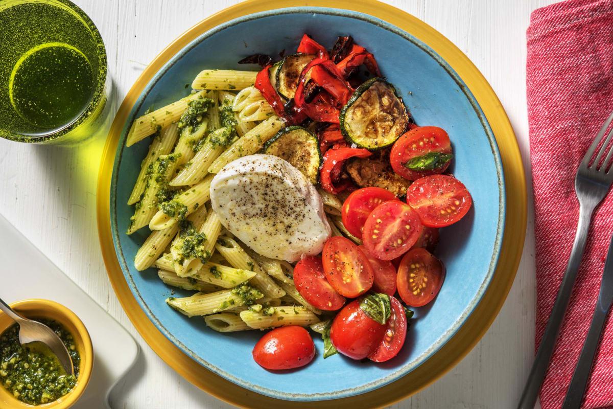 Italienische Pasta-Bowl mit Büffelmozzarella