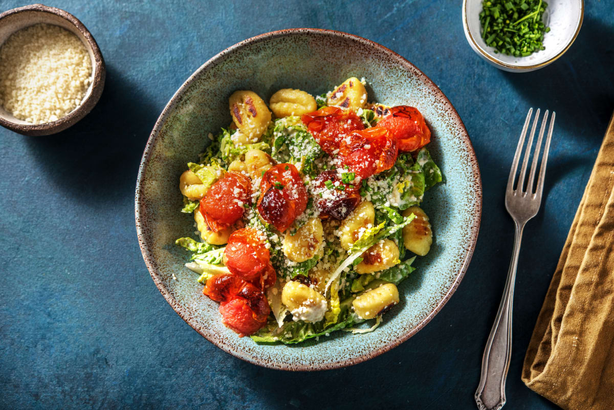 Caesar Salat mit gebratenen Gnocchi