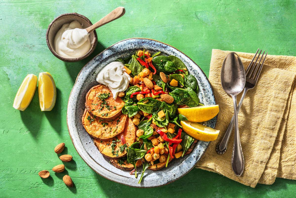 Zoete aardappel met spinazie en frisse labne