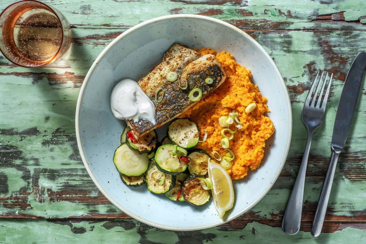 Indischer Curry-Fisch mit scharfer Zucchini