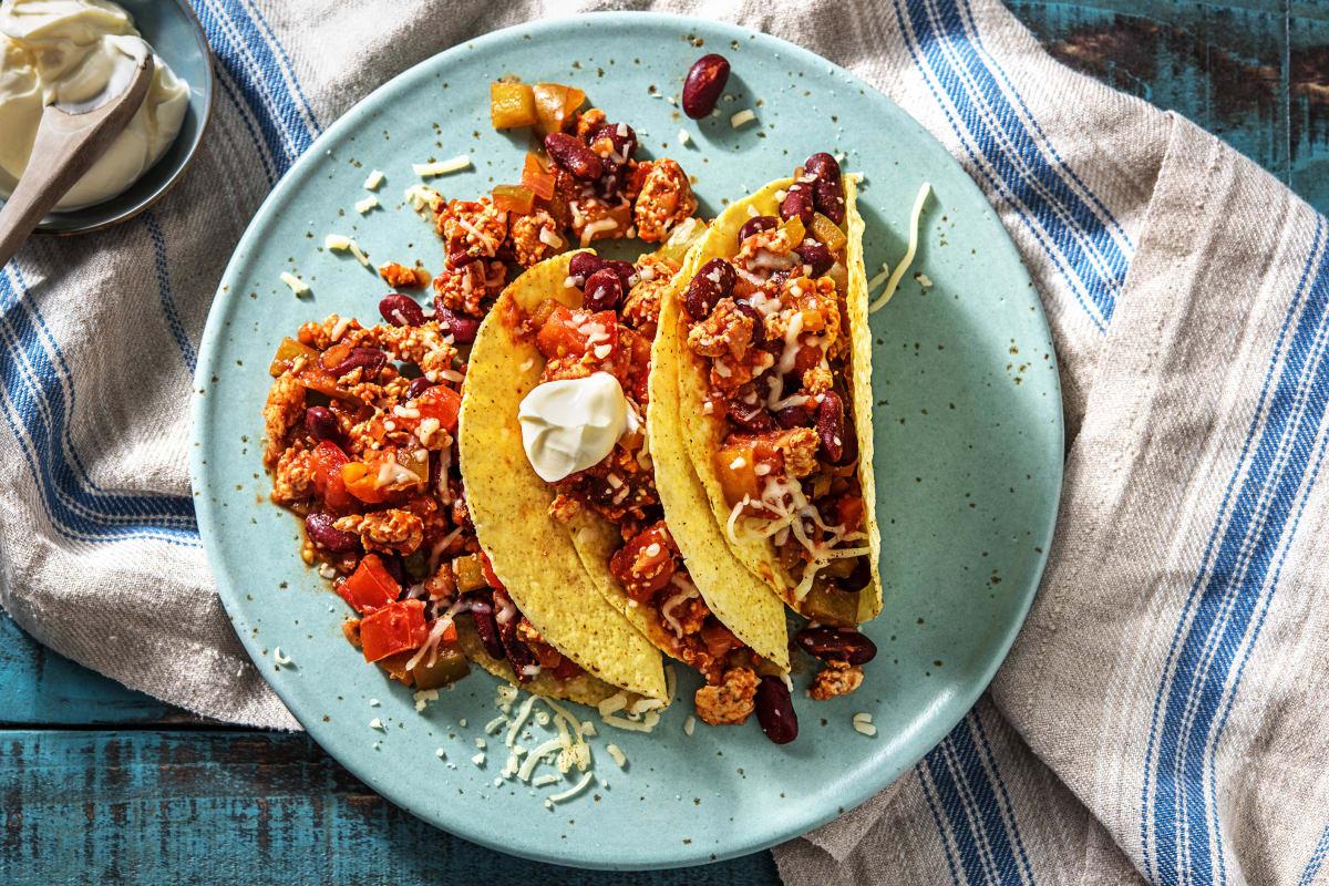 Knapperige taco's met kipgehakt en kidneybonen