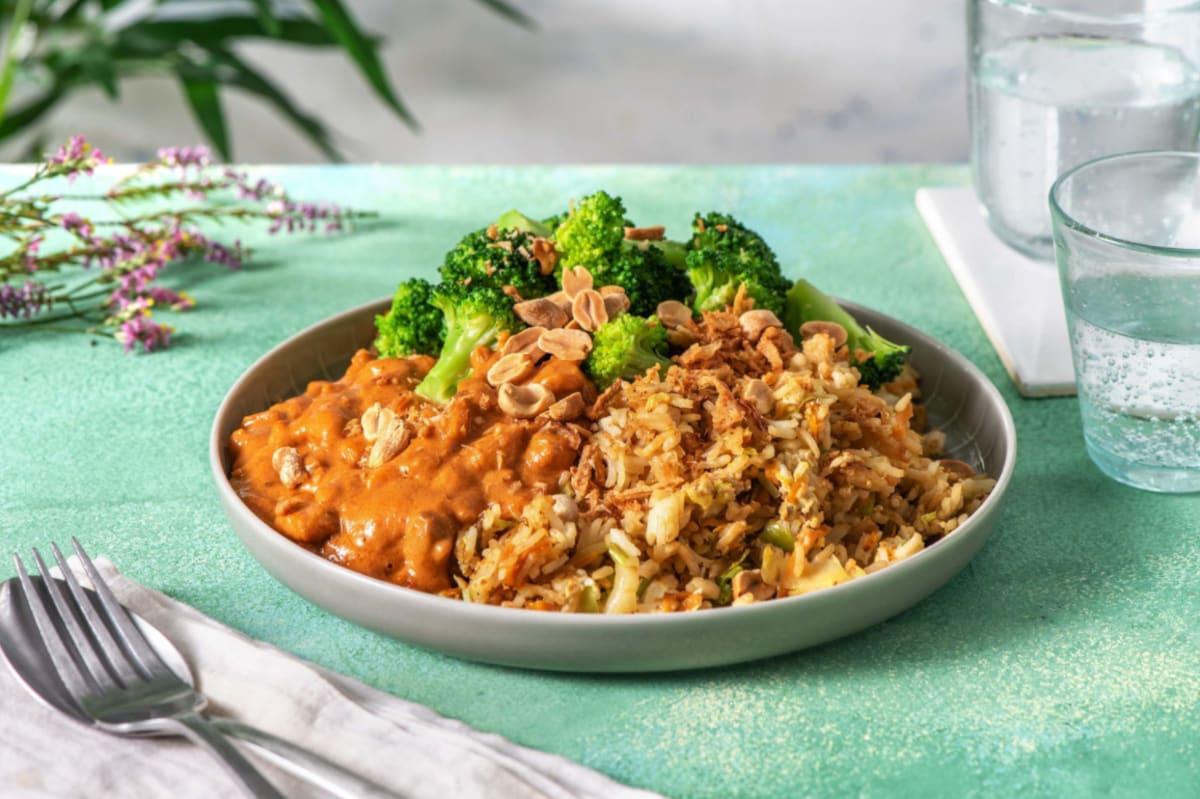 Satay de poulet et nasi goreng