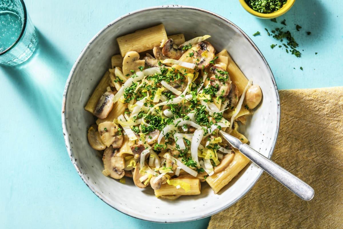 Rigatoni en sauce crémeuse aux champignons et aux endives