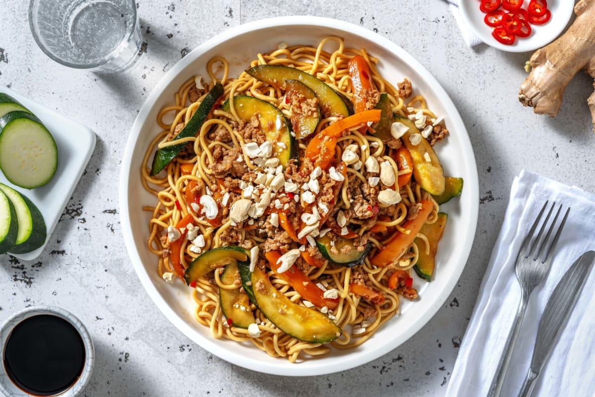 Nouilles au poulet haché et sauce asiatique