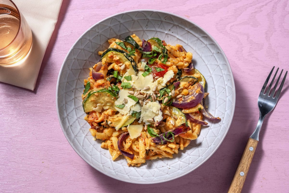 Spätzle mit selbst gemachtem roten Pesto