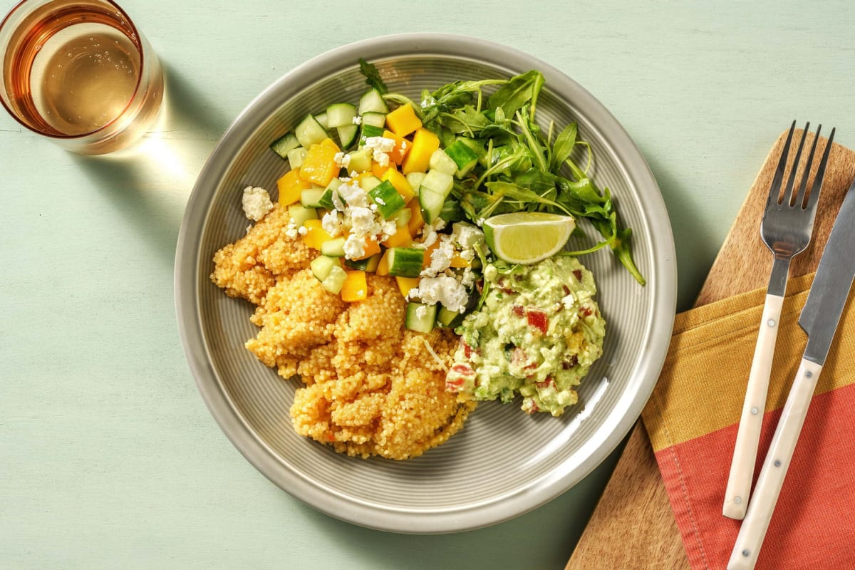 Guacamole-Bowl mit Quinoa & Mango-Gurken-Salat