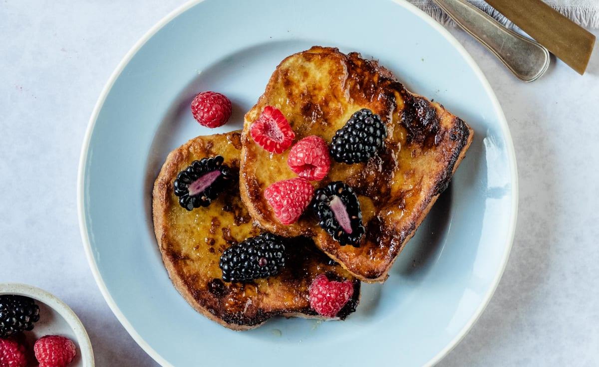 French toast med färska bär
