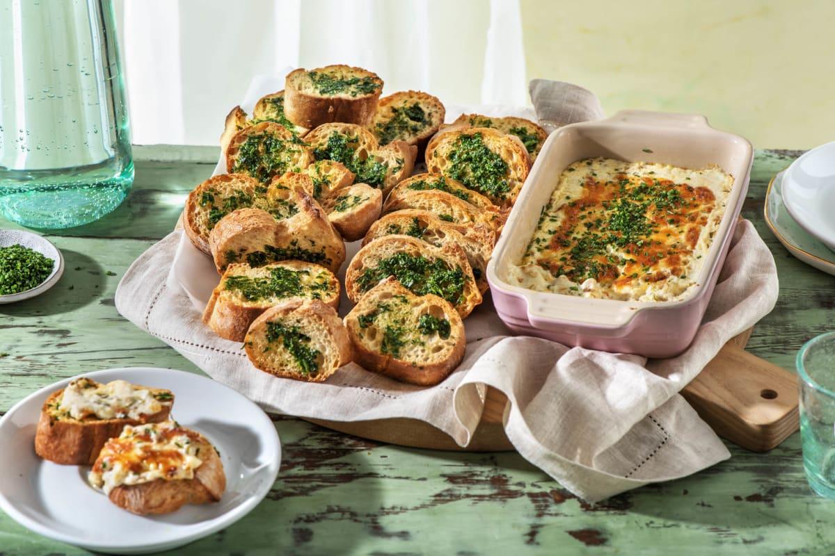 Gegrillter Käse-Zwiebel-Dip mit Knoblauchbrot