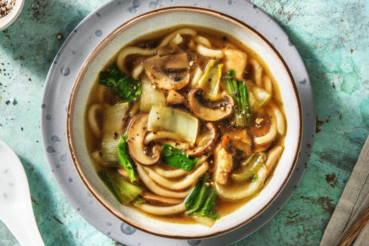 Soupe de nouilles japonaise et filet de poulet