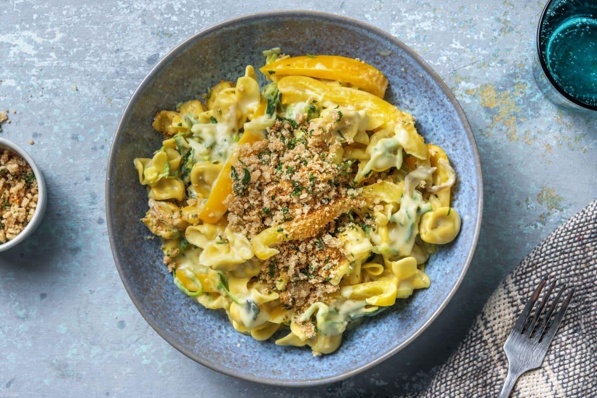 Mediterrane Fiorelli mit Kräuter-Käse-Bröseln