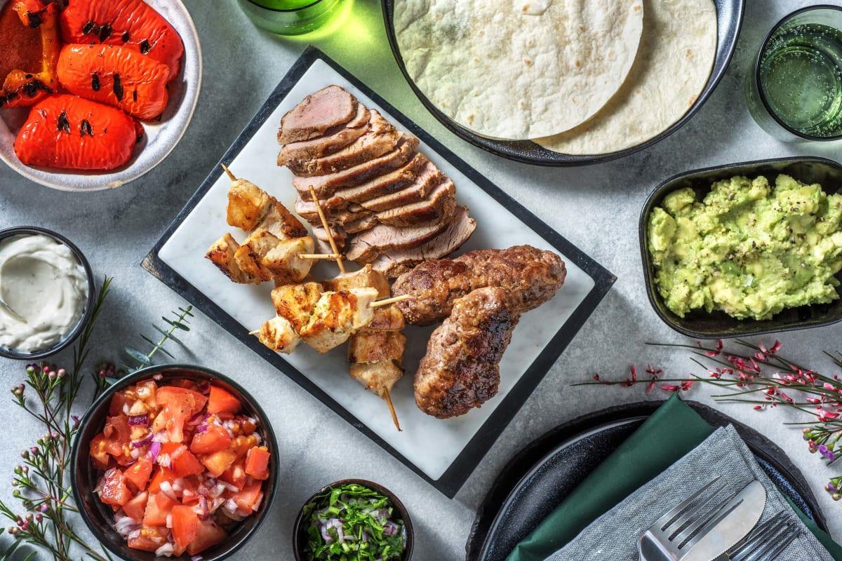 Mexikanische Grillplatte mit rauchigen Bouletten