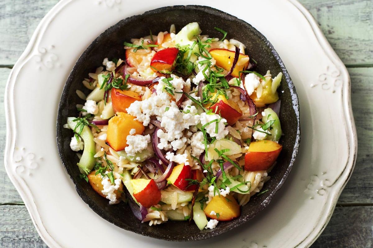 Sommerlicher Orzo-Salat