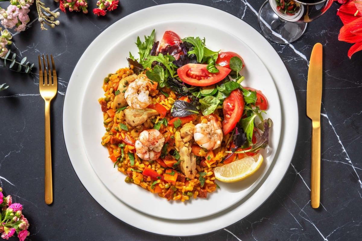 Paella met grote garnalen en kippendij