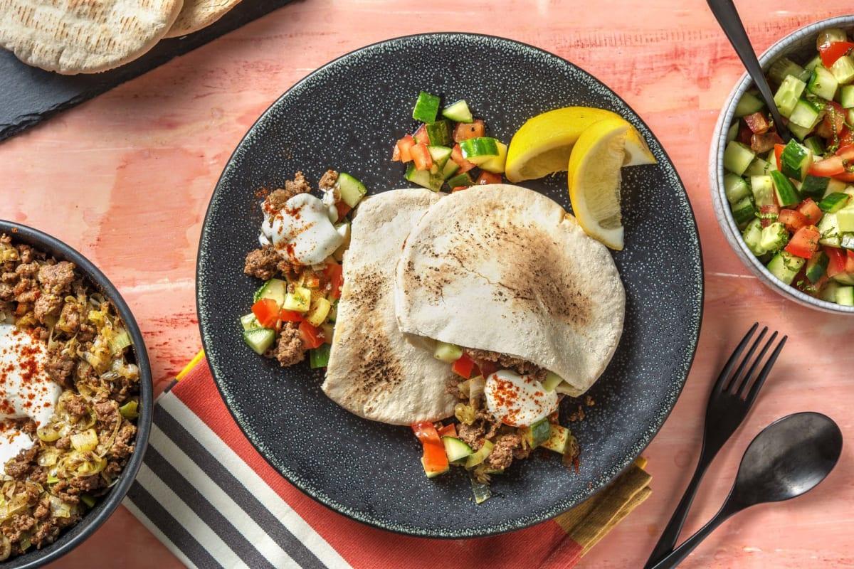 Pitabroodjes met rundergehakt en labne