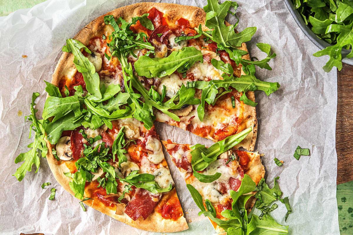 Platbroodpizza met coppa di Parma