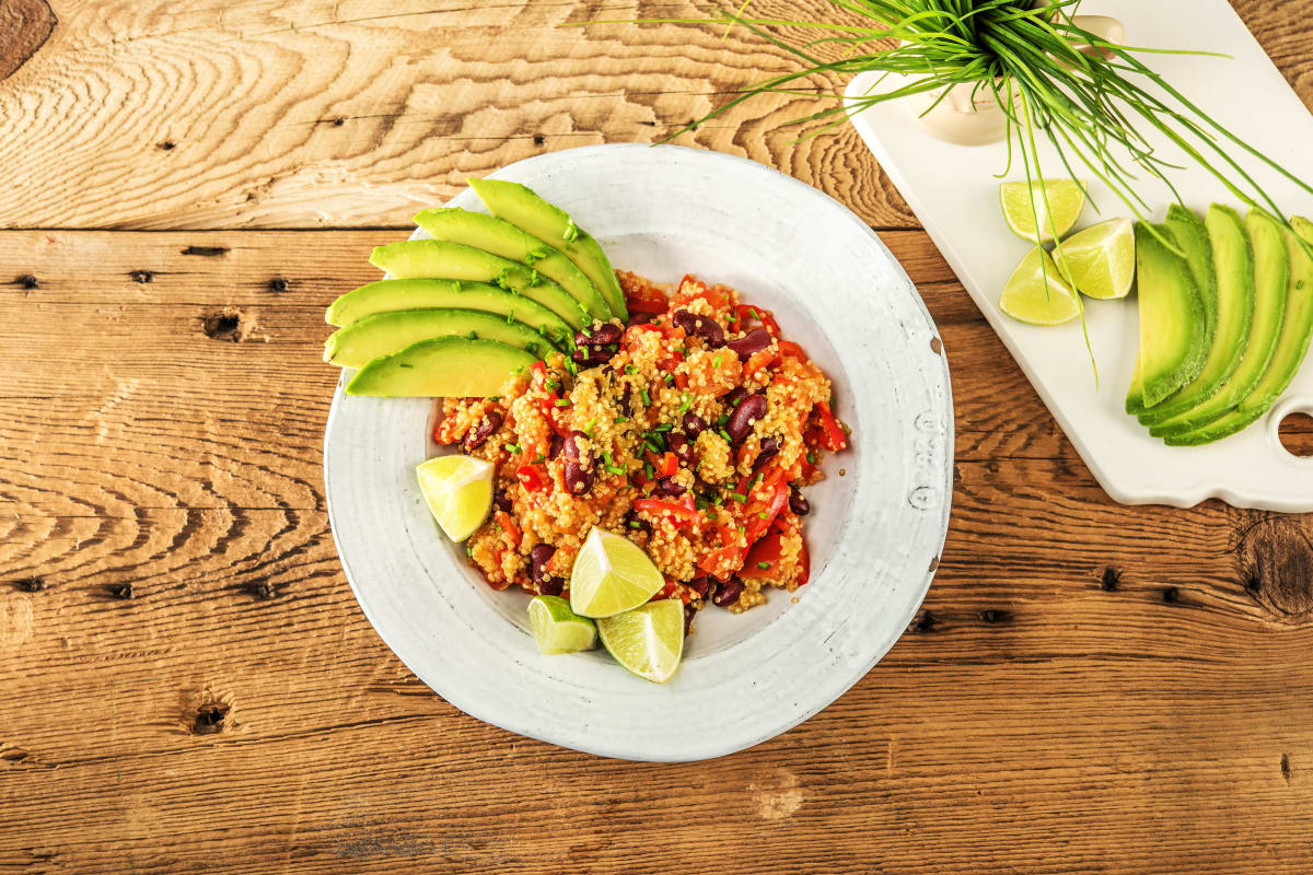 Quinoa-Chili mit Avocadostreifen