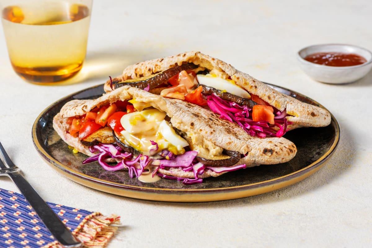 Sabich met gegrilde aubergine, ei en hummus