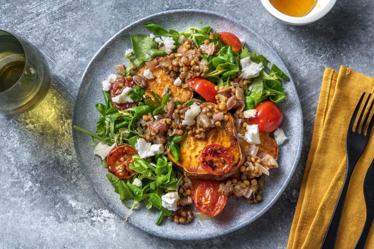 Salade met zoete aardappel en geitenkaas