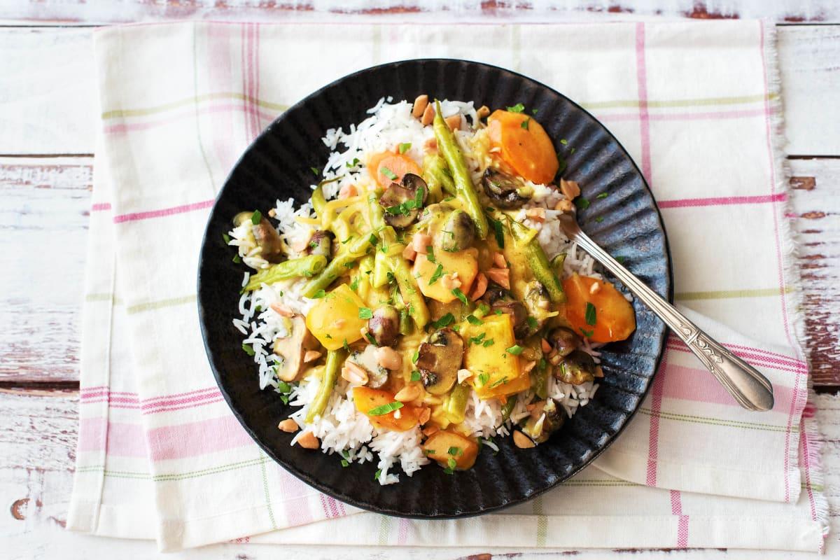 Thailändisches Massaman-Curry mit Ofen-Gemüse