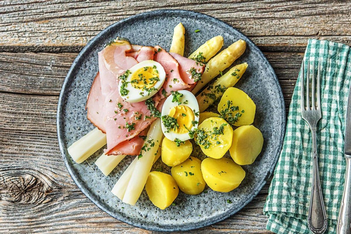 Witte asperges met ham en ei