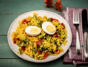 Vegetarische paella met een eitje image