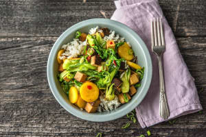 Gegartes Gemüse mit geräuchertem Tofu image