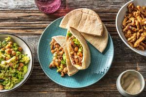 Pita's met kruidige kip en salade image
