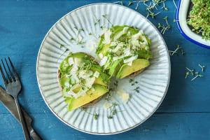 Meergranenbeschuit met avocado image