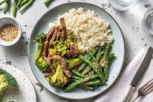 Balinese wokschotel met broccoli en biefstukpuntjes image