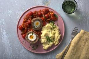 Œufs écossais et sauce tomate image