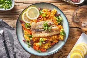 Plat de riz au lieu jaune à la méditerranéenne image