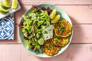 Zucchini-Käse-Puffer mit Pflücksalat image