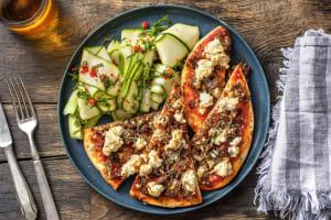 Pizza sur naan aux merguez de bœuf et à la ricotta image