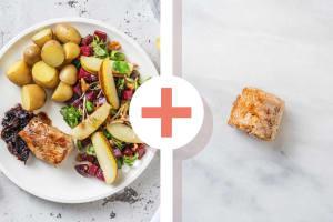 Filet mignon de porc en double portion et salade de betteraves et mâche à la poire image