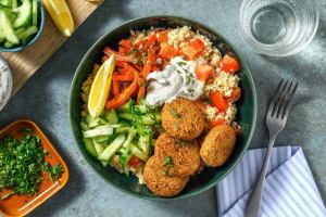 Falafelbowl met couscous en verse munt image
