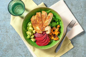 Boeddhabowl met sesamkip, avocado en zoete aardappel image