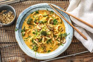 Soupe de nouilles udon au curry et lait de coco image