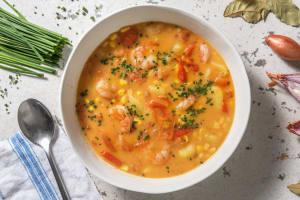Romige aardappelsoep met garnalen image